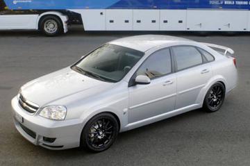 Straatversie van race-Chevrolet Nubira