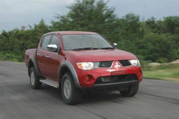 Mitsubishi L200: knipoog naar Dakar