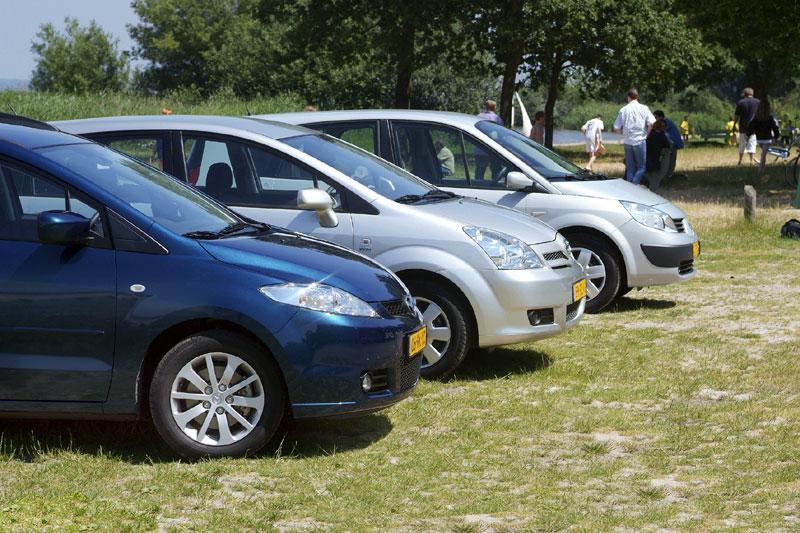 Mazda 5 1.8 Executive, Renault Grand Scénic 1.6 16V Dynamique Comfort, Toyota Co