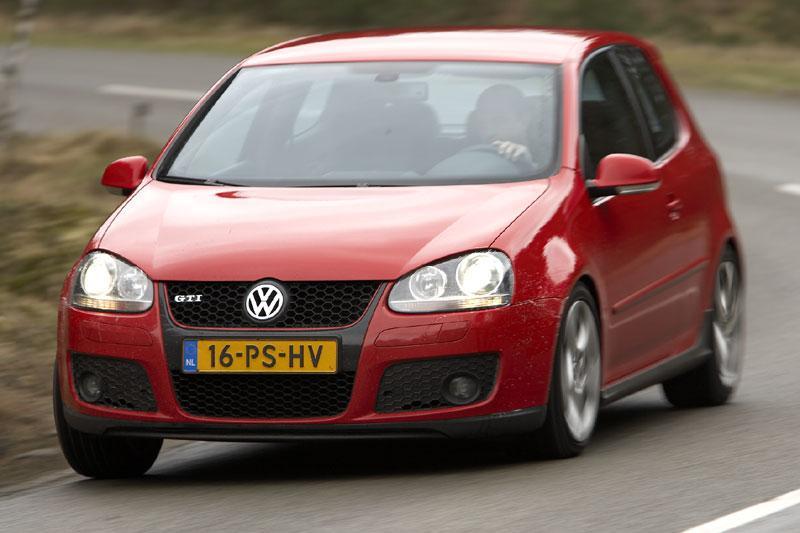 Volkswagen Golf GTI (2005)