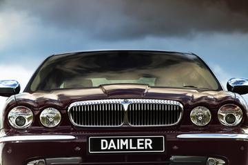 Daimler terug met Super Eight