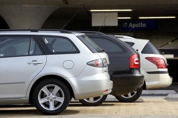Mazda 6 SportBreak 1.8 Touring - Peugeot 407 SW XR Pack 1.8 16V - Skoda Octavia