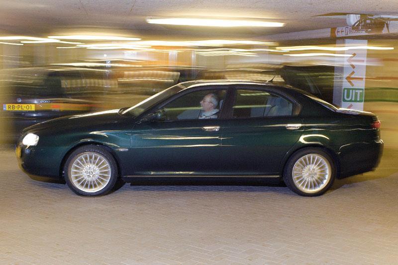 Alfa Romeo 166 2.4 JTD 20V Disctinctive (2004)