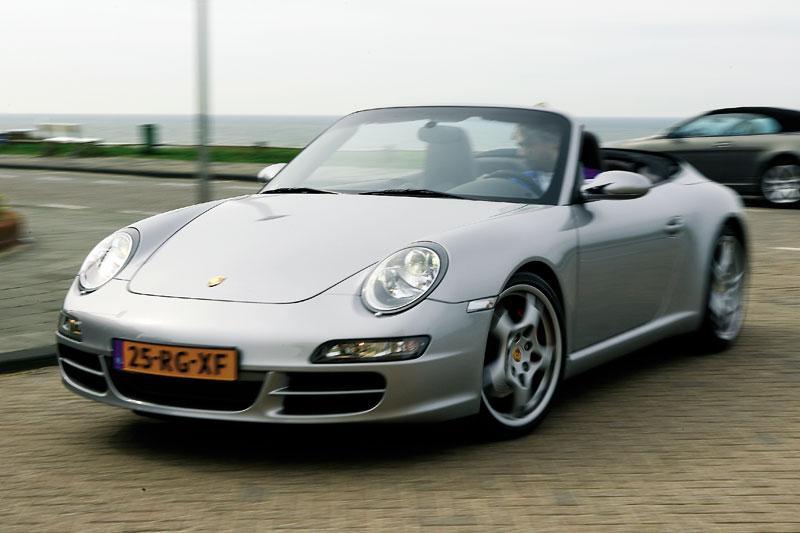 Porsche 911 Carrera S Cabriolet (2005)