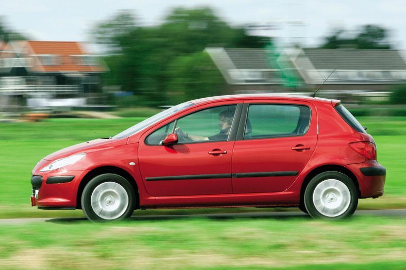 Peugeot 307 XT 1.6 HDiF (2006)