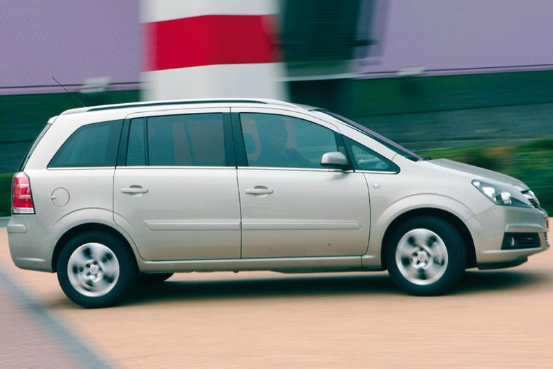 Opel Zafira 1.6 Cosmo (2006)