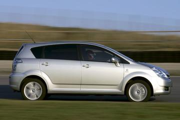 Toyota Corolla Verso 2.2 D-4D D-CAT Linea Luna 7-zitter