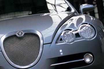 Voorproefje van nieuwe Jaguar S-type