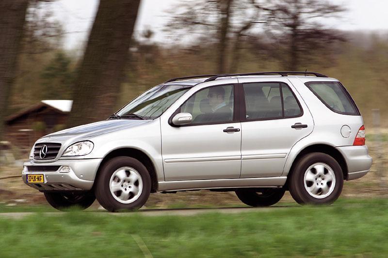 Mercedes-Benz ML 350 (2004)