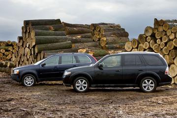 Saab 9-7X 5.3 V8/Volvo XC90 V8 Summum