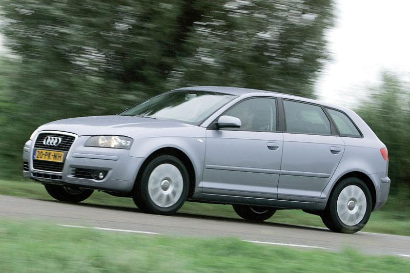 Audi A3 Sportback 1.6 FSI Attraction (2004)