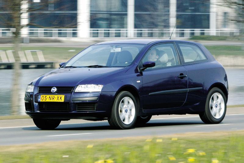 Fiat Stilo 1.4 16v Active Plus (2004)