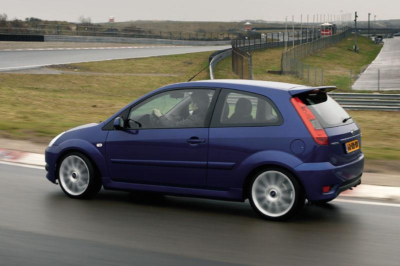 Ford Fiesta 2.0 16V ST (2005)