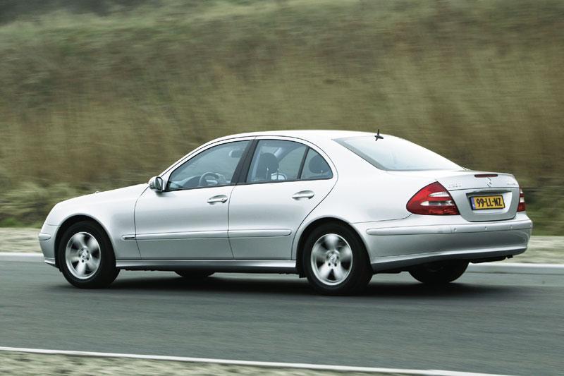 Mercedes-Benz E 200 Kompressor Avantgarde (2005)