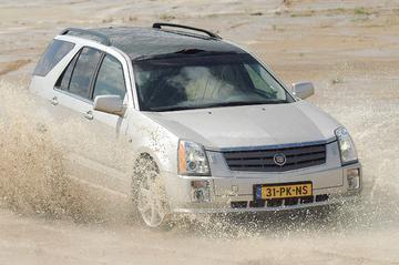 Cadillac SRX 4.6 V8 Sport Luxury (2004)