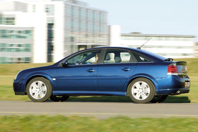 Opel Vectra GTS 2.0 Turbo (2004)