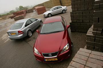 Alfa Romeo 159 2.4 JTDm , Lexus IS 220d, Volvo S40 D5