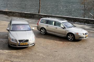 Volvo V70 D5 Summum Geartronic en 3,2 Summum Geartronic