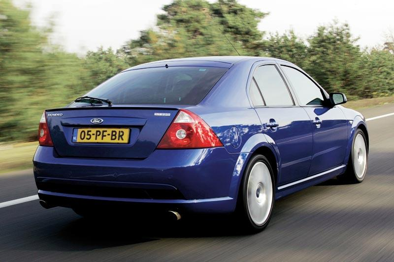 Ford Mondeo ST220 (2005)