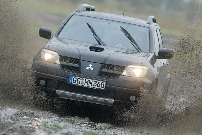 Mitsubishi Outlander 2.0 4WD Turbo (2005)