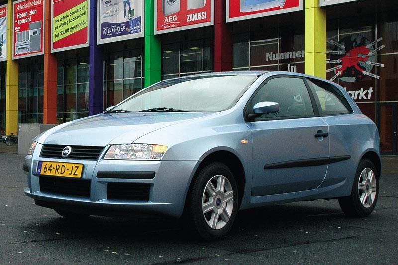 Fiat Stilo 1.4 16v Actual (2005)