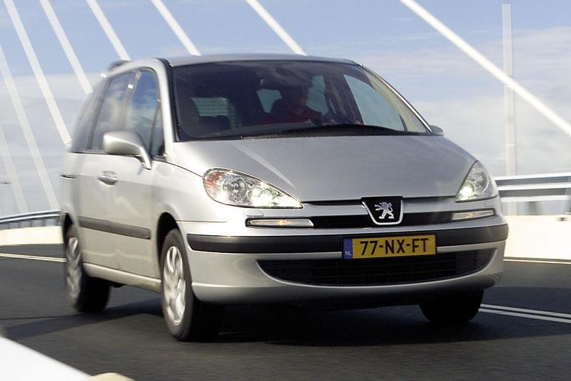 Peugeot 807 SV 2.2 HDiF (2005)