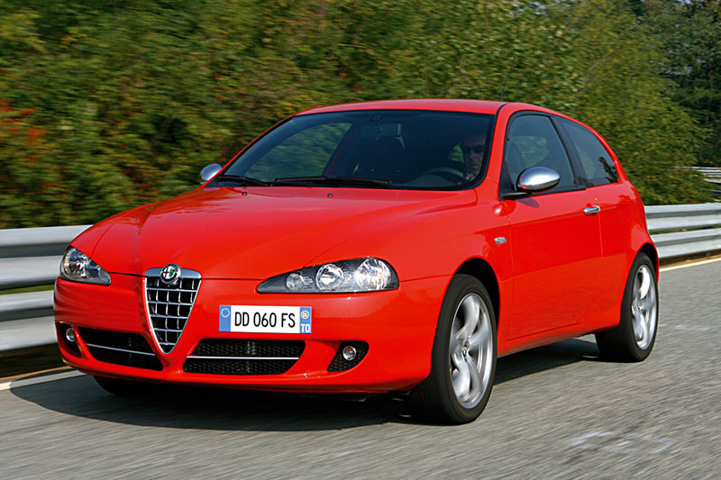 alfa romeo 147 gt jtd q2 eerste rijtest. Black Bedroom Furniture Sets. Home Design Ideas