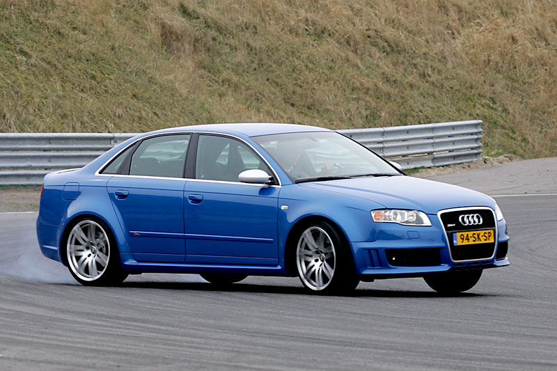 audi rs4 4 2 fsi quattro 2006 autotest. Black Bedroom Furniture Sets. Home Design Ideas