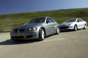 BMW 325i Coupé aut. Introduction – Peugeot 407 3.0 V6 24V aut. Pack