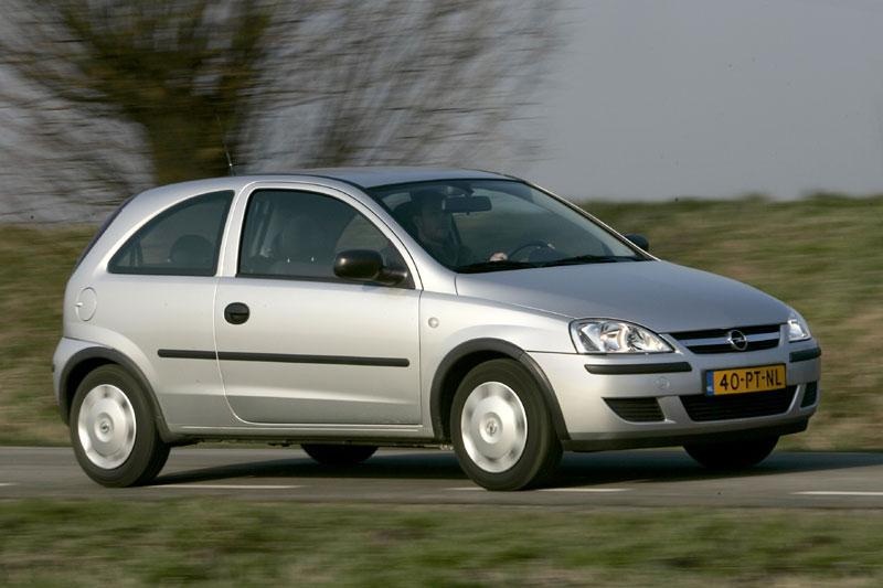 Opel Corsa 1.2 16V Enjoy (2005)