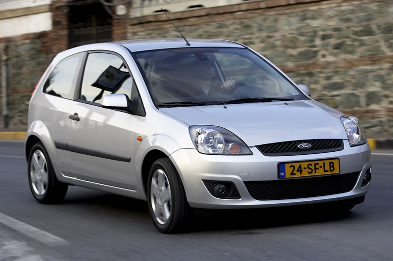 ford fiesta 1 4 16v futura 2006 autotest. Black Bedroom Furniture Sets. Home Design Ideas