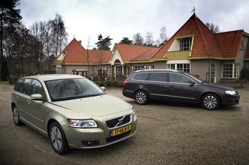 Volkswagen Passat Variant 2.0 TDI Bluemotion - Volvo V50 1.6d Drive