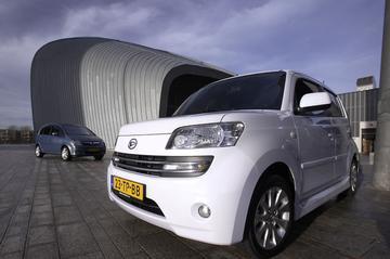 Daihatsu Materia - Opel Meriva