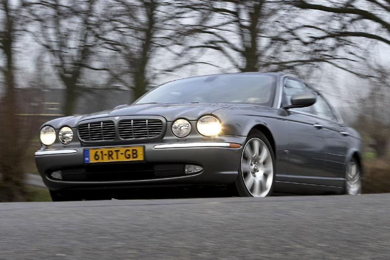 Jaguar XJ 2.7D (2006)