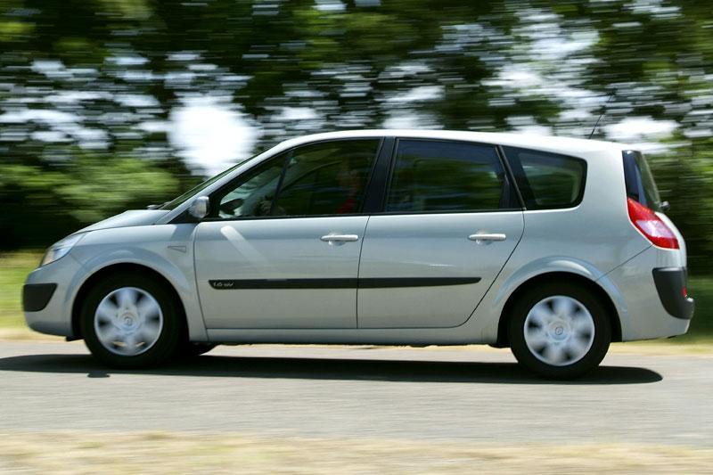 Renault Grand Scénic 1.6 16V Dynamique Comfort (2006)
