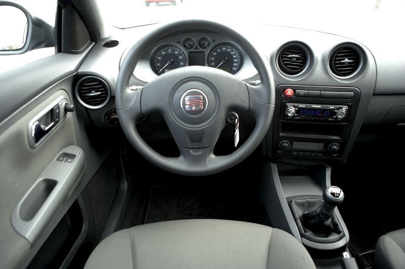 seat ibiza 1 4 16v 100pk sensation 2006 autotest. Black Bedroom Furniture Sets. Home Design Ideas