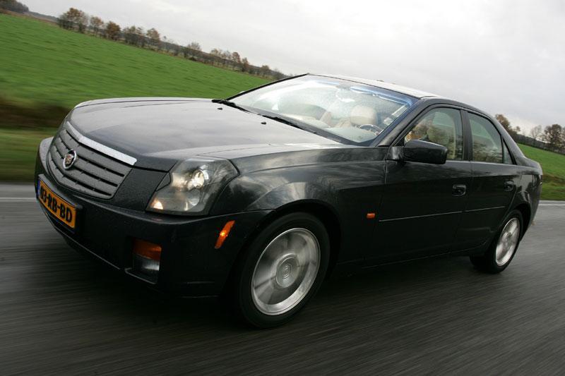 Cadillac CTS 2.8 Sport Luxury (2006)