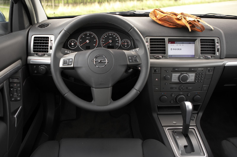 opel signum 3 0 v6 cdti sport 2006 autotest. Black Bedroom Furniture Sets. Home Design Ideas