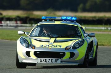 Spectaculaire ijsbreker voor Engelse politie