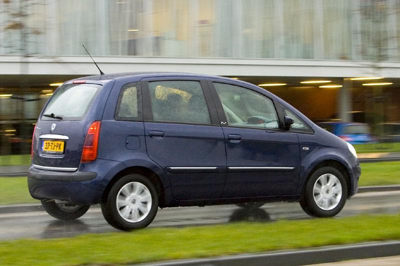 Lancia Musa 1.4 16v Oro (2007)