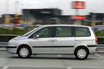 Peugeot 807 SR 2.0-16V HDiF 136pk (2007)