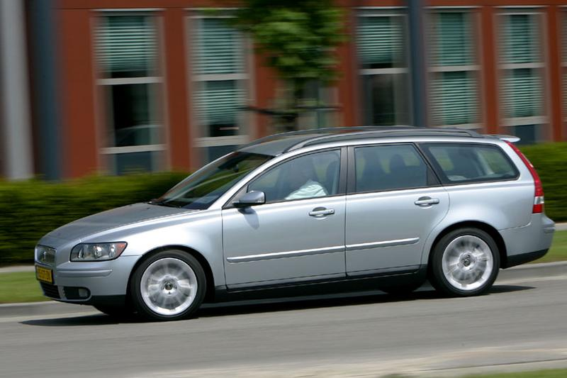 Volvo V50 2.4i Momentum (2007)