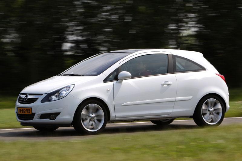 Opel Corsa 1.7 CDTi Sport (2007)