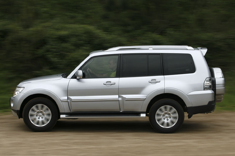 mitsubishi pajero long body 3 2 did instyle 2007 autotest. Black Bedroom Furniture Sets. Home Design Ideas