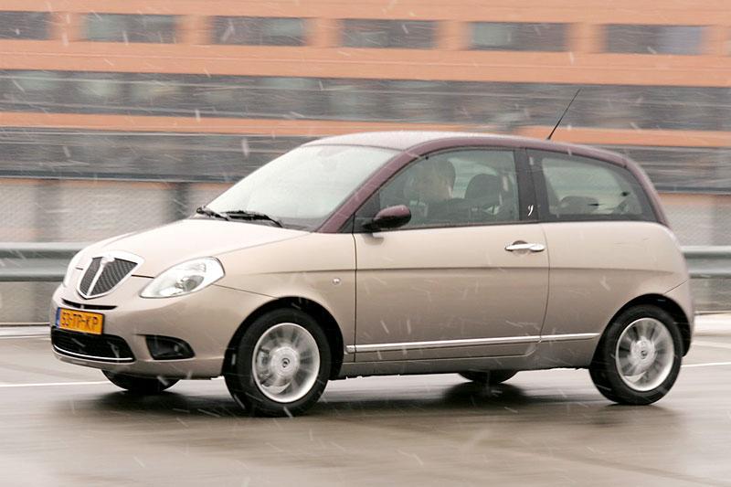 Lancia Ypsilon 1.4 16v Platino (2007)