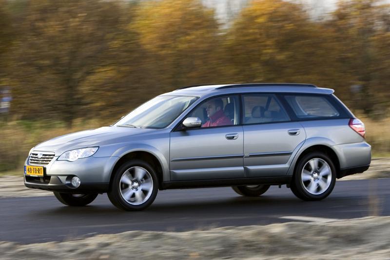 Subaru Legacy Outback 2.5i Executive (2007)