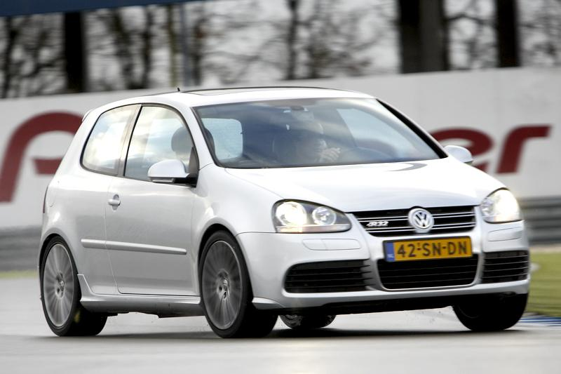 Volkswagen Golf R32 (2007)