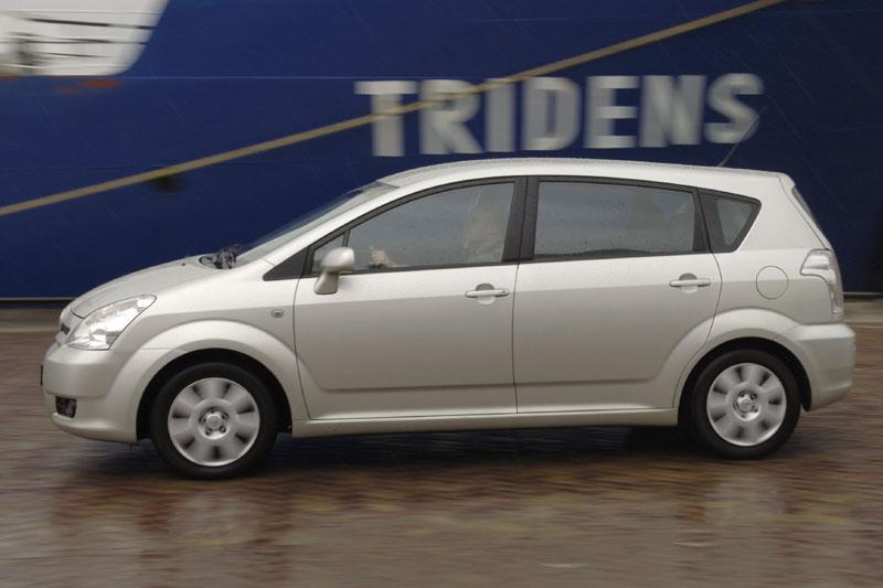Toyota Corolla Verso 2.2 D-4D Linea Sol (2007)