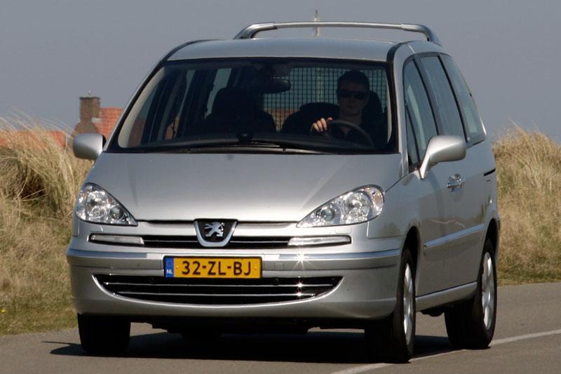 Peugeot 807 ST 2.2-16V HDiF 170pk (2008)