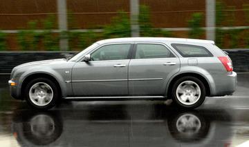 Chrysler 300C Touring 3.0 CRD (2007)